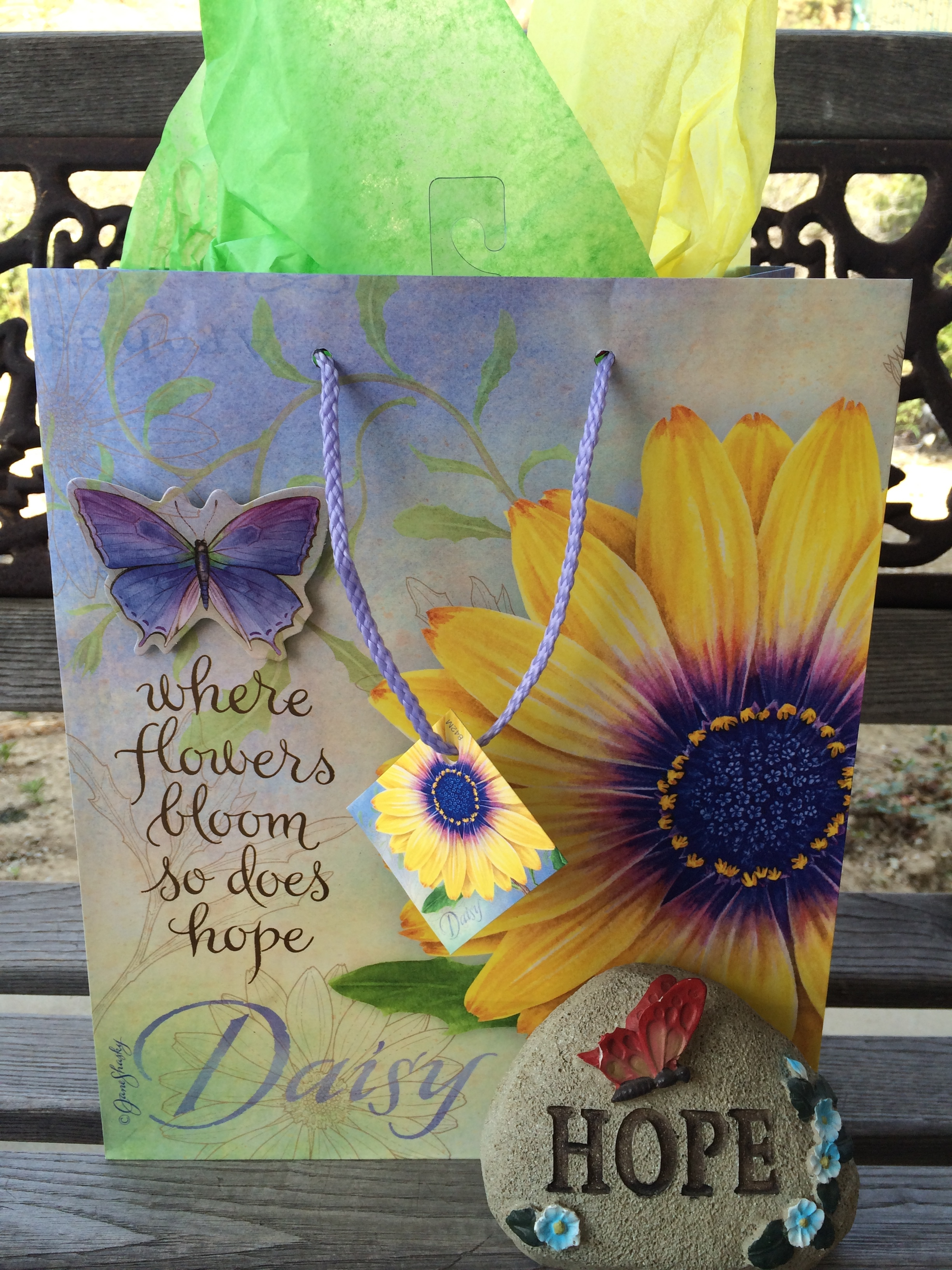 A beautiful mom a beautiful garden and beautiful gifts god gives im reminded through this gift bag that beautiful flowers do brighten peoples lives izmirmasajfo